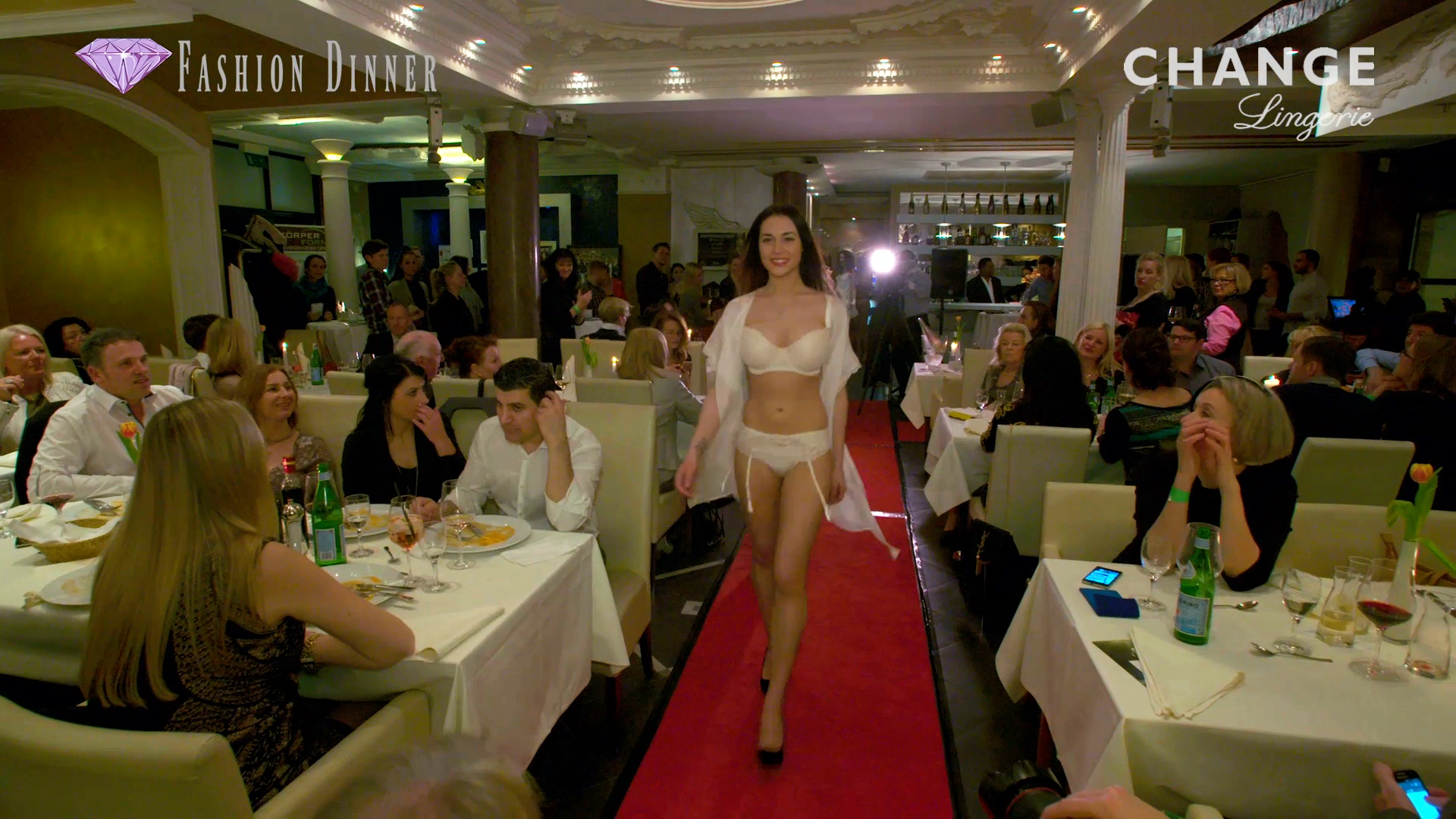 FASHION-DINNER | Change Lingerie
